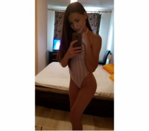 Lallie escorte par webcam Maromme